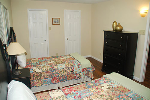 assisted-living-bedroom